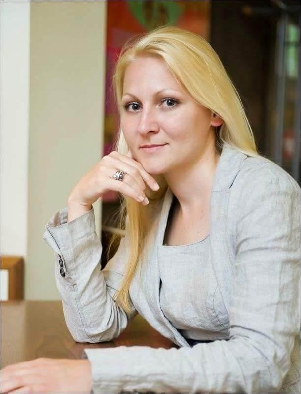 Anja Jovanovič Kunstelj dr. med., Specialistka splošne kirurgije
