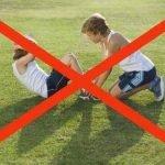 Zakaj otroci ne bi smeli delati trebušnjakov?